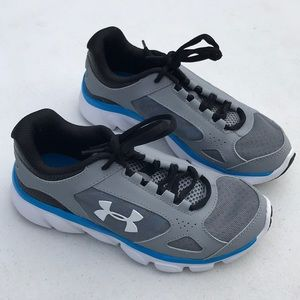 Under Armour BPS Assert size 2Y sneakers NWB